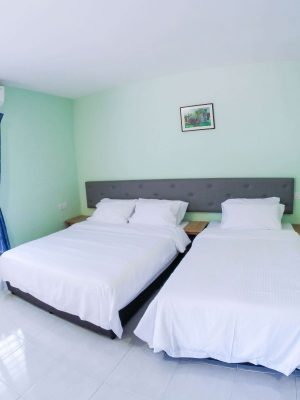 Balcony Suite - 1 Double Bed, 1 Super Single Bed (Hotel Standard) - View 2