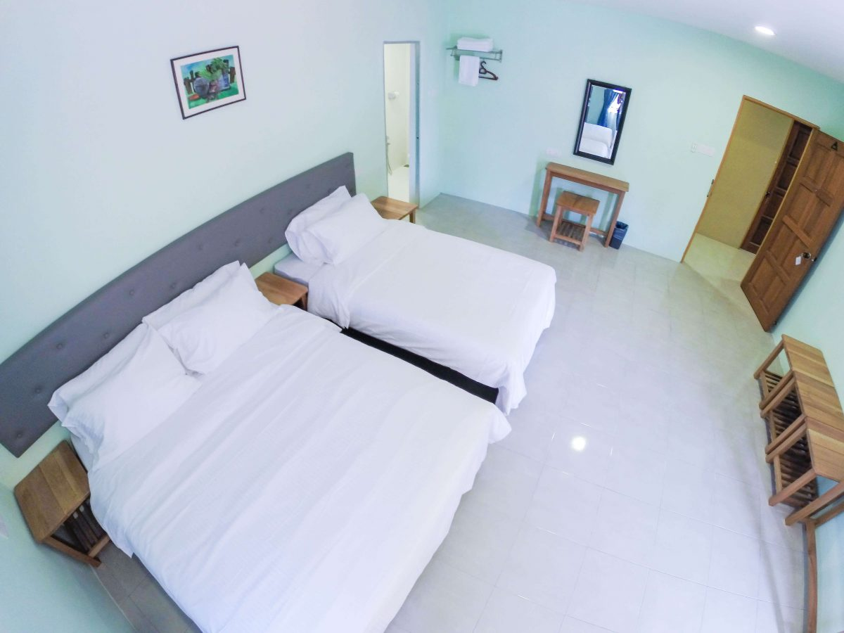 Balcony Suite - 1 Double Bed, 1 Super Single Bed (Hotel Standard) - View 4
